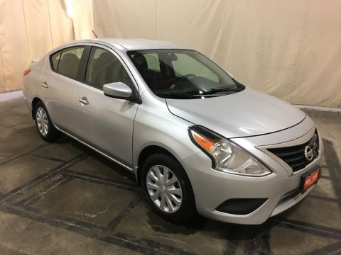 Pre-Owned 2015 Nissan Versa 1.6 SV